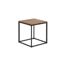 Maya Teak Side Table Meteor | Taburetes | Gloster Furniture GmbH
