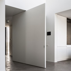 System 3 | Big White Pivot Door | Hinges | FritsJurgens