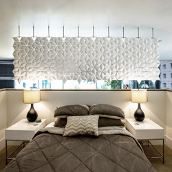 Facet Hanging Room Divider - 340x131cm | Sound absorbing suspended panels | Bloomming