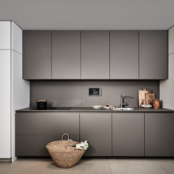 +SEGMENTO Y | Fitted kitchens | Poggenpohl