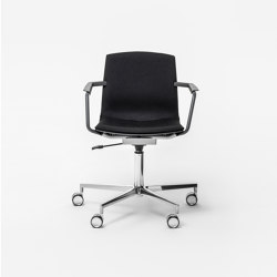 Mia Swivel chair 3300 | Office chairs | Mara