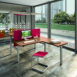 Up & Up | Desks | Quadrifoglio Group