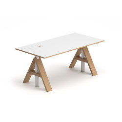 A-Frame | Desks | Horreds