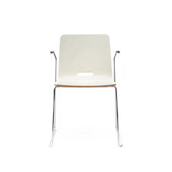 sitting smartKA | Skid chair with integrated armrests | Sillas | lento