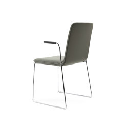 sitting smartKA | Skid chair with integrated armrests | Chairs | lento