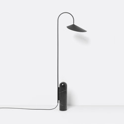 Arum Floor Lamp - Black | Lámparas de pie | ferm LIVING