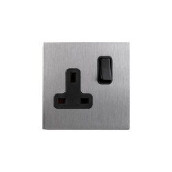 Facet - Brushed nickel - UK socket | Interruptores a palanca | Atelier Luxus