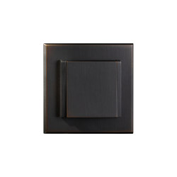 Regent - Medium bronze - Multi-standard socket with lid | Enchufes Schuko | Atelier Luxus