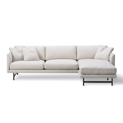 Calmo 3 Seater Chaise 80 Metal Base | Sofas | Fredericia Furniture
