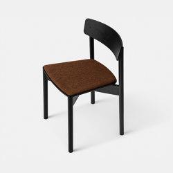 T01 | Cross Chair Oak Black lacquer Brown Hallingdal | Sedie | TAKT