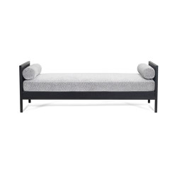 Black Is Black | Chaise Longue All Day Bed | Camas de día | CRISTINA JORGE DE CARVALHO COLLECTIONS