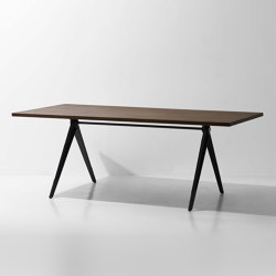Compass Dining Table | Esstische | District Eight