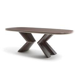 Pliè Dining Table | Tables de repas | Capital