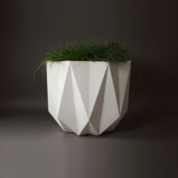 Prisme Planter, White Concrete | Maceteros | Adam Christopher Design