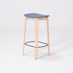 Nora | bar chair without backrest | Main Line Flax | Taburetes de bar | Gazzda