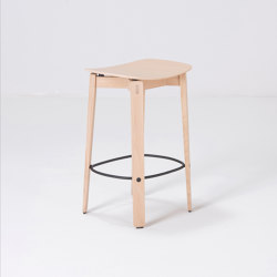 Nora   bar stool   Venner - Oak   Bar stools   Gazzda