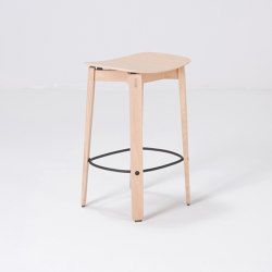Nora | bar chair without backrest | Venner - Oak | Bar stools | Gazzda