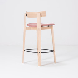 Nora | bar chair with backrest | Main Line Flax | Bar stools | Gazzda