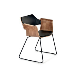Flagship Arm chair with sled base | Stühle | PlyDesign