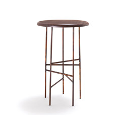 10th Star Stool | Taburetes de bar | Exteta
