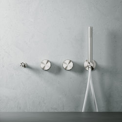 Hb | Stainless steel Wall mounted 2 hydroprogressive mixers set with hand shower and spout | Shower controls | Quadrodesign