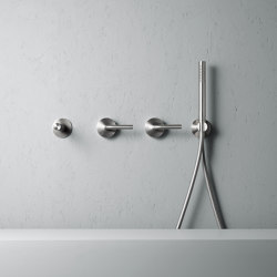 Levo | Stainless steel Wall mounted 2 mixers set with 190mm spout and hand shower | Bath taps | Quadrodesign