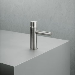 Modo | Stainless steel Deck mounted hydroprogressive mixer | Wash basin taps | Quadrodesign