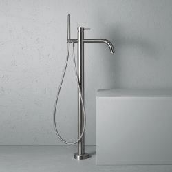 Source | Stainless steel High water flow free-standing mixer for bathtub with hand shower | Bath taps | Quadrodesign