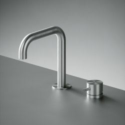 Source | Two-hole mixer with swivelling spout | Wash basin taps | Quadrodesign