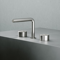 Stereo | Stainless steel Three hole tap with swivelling spout and hydroprogressive mixer with handshower kit | Wash basin taps | Quadrodesign