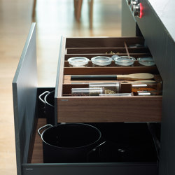 Customisable drawers and bins FINE | Kitchen organization | Santos