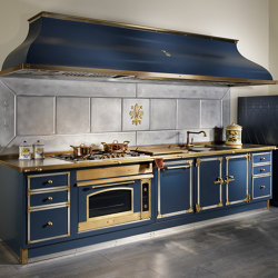TAILOR MADE KITCHENS | DEEP BLUE AND BURNISHED BRASS KITCHEN | Fitted kitchens | Officine Gullo