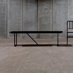 Mesa Nero bench | Bancos | Heerenhuis