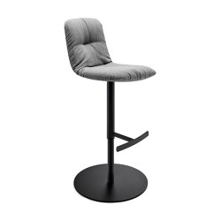 Leya | Barstool High with column foot | Taburetes de bar | Freifrau Sitzmöbelmanufaktur