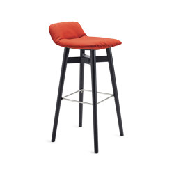 Leya | Barstool Low with wooden frame | Bar stools | FREIFRAU MANUFAKTUR