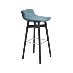 Amelie | Barstool Low with wooden Frame | Bar stools | Freifrau Sitzmöbelmanufaktur