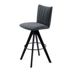 Rubie | Bar Chair with wooden frame | Sgabelli bancone | FREIFRAU MANUFAKTUR