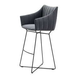 Rubie | Bar Armchair High with wire frame | Sgabelli bancone | FREIFRAU MANUFAKTUR