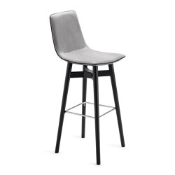 Amelie | Barstool High with wooden frame | Bar stools | Freifrau Sitzmöbelmanufaktur