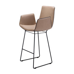 Amelie | Counter Armchair | Counter stools | Freifrau Sitzmöbelmanufaktur