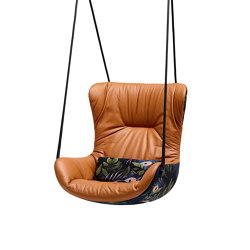 Leya | Wingback Swing Seat | Schaukeln | Freifrau Sitzmöbelmanufaktur