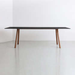 A.T.S | table | Tables de repas | By interiors inc.