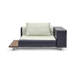 Walrus seat with armrest & side table | Sessel | extremis