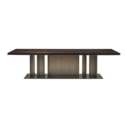 Nila dining table | Dining tables | Promemoria