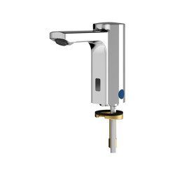 F5E Electronic pillar tap with battery operation | Wash basin taps | Franke Water Systems
