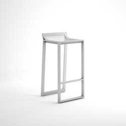 Blau Stool with Low Backrest | Bar stools | GANDIABLASCO