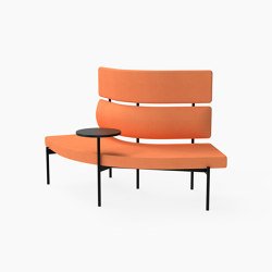 Crescent, 72˚ High-back curved bench with floating table | Sitzbänke | Derlot Editions