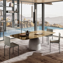 Janeiro Table - Bronzo polished XGlass top. Naturale concrete base | Dining tables | LAGO