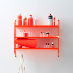String Pocket metal in neon | Regale | string furniture