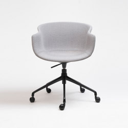 Bai Swivel Chair | Chairs | ONDARRETA